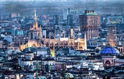 Milano fotografata dal grattacielo più alto d'Italia, Unicredit. 31 dic 2013 - foto aeree dalla torre unicredit di Milano - fotografo: fabrizio villa