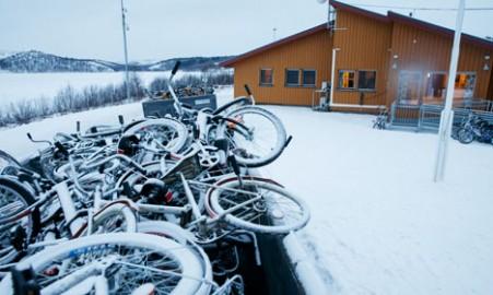 Le bici usate dai migranti, abbandonate