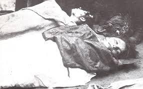 Donne ebree uccise durante un pogrom in Polonia