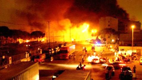 viareggio fiamme sulle case 1
