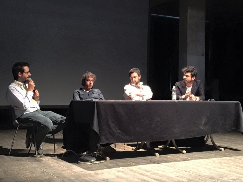 Tommaso Sacchi, Tomaso Cavanna e Massimo Bonelli dialogano con Niccolò Vecchia sullo stato della produzione di musica live in Italia