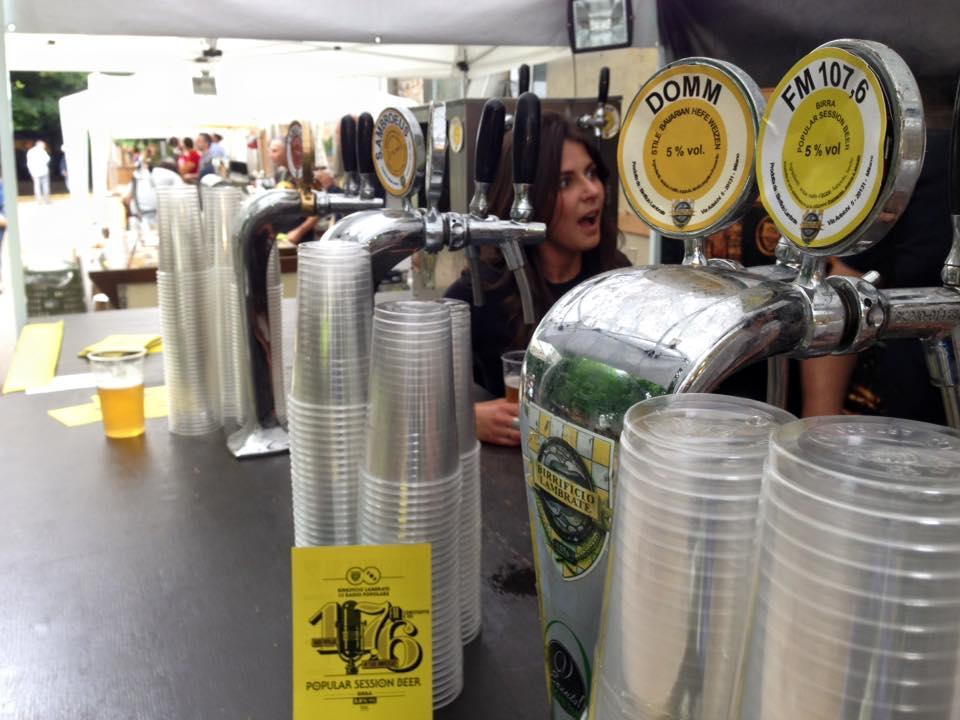 Il birrificio di Lambrate spilla la 107.6, la birra di Radio Popolare
