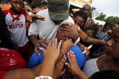 _90314361_protests2_976ap