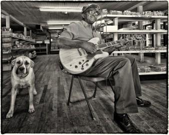 """Clarence Davis, Foto di Roger Stephenson."""