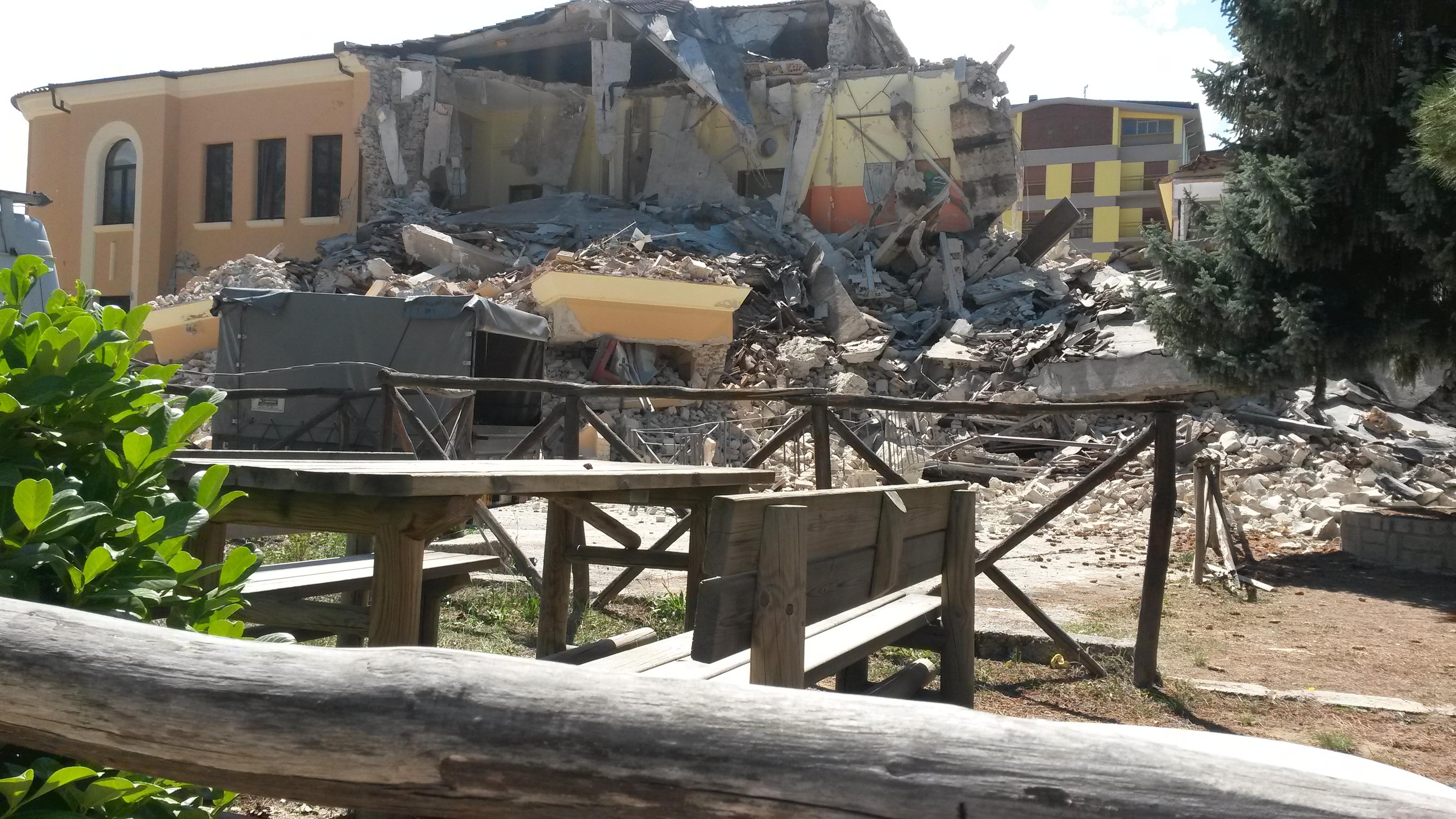 scuola di Amatrice crollata