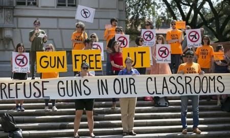 Manifestazione contro le armi all'Università del Texas