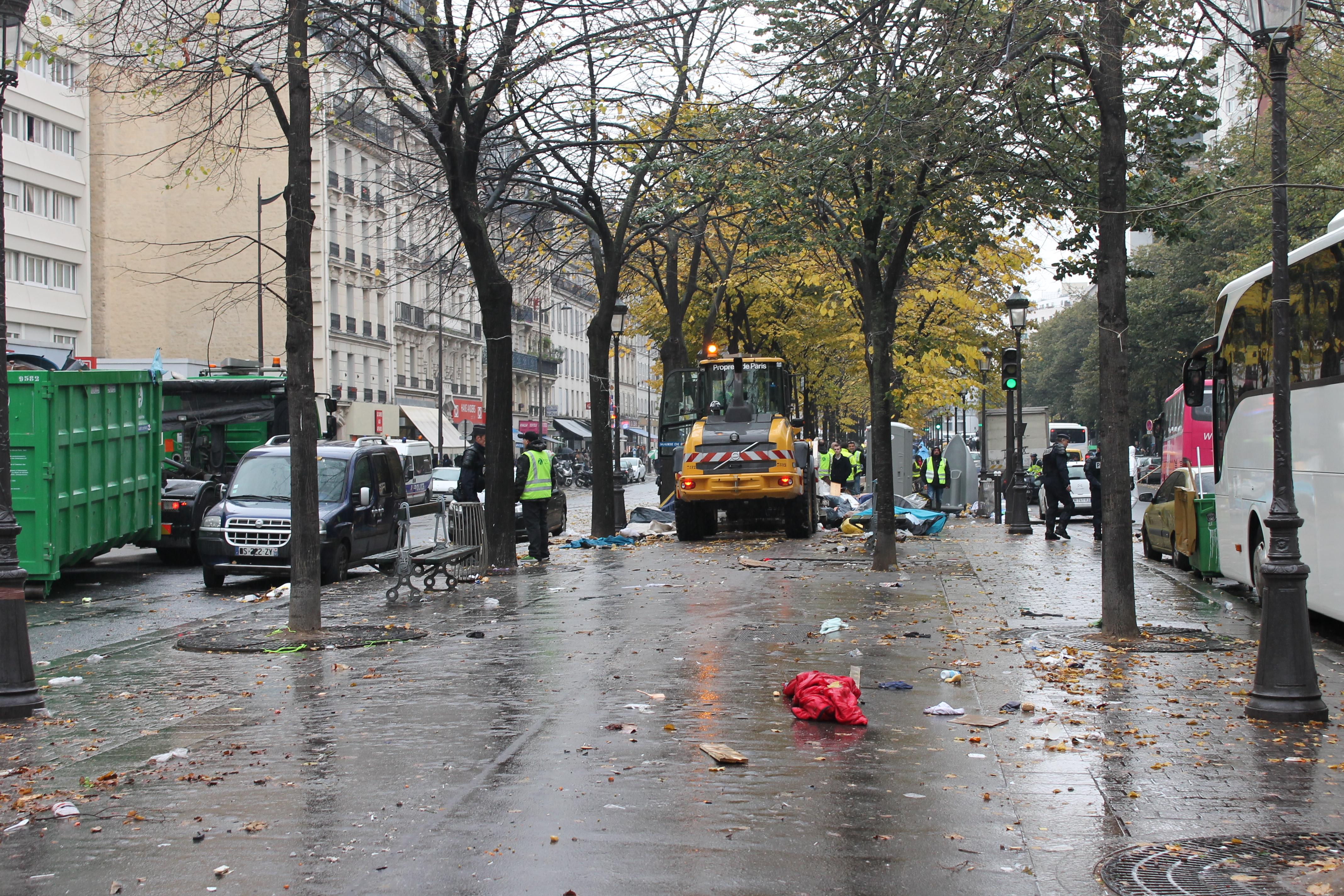 evacuazione-migranti-stalingrado-4-novembre-1