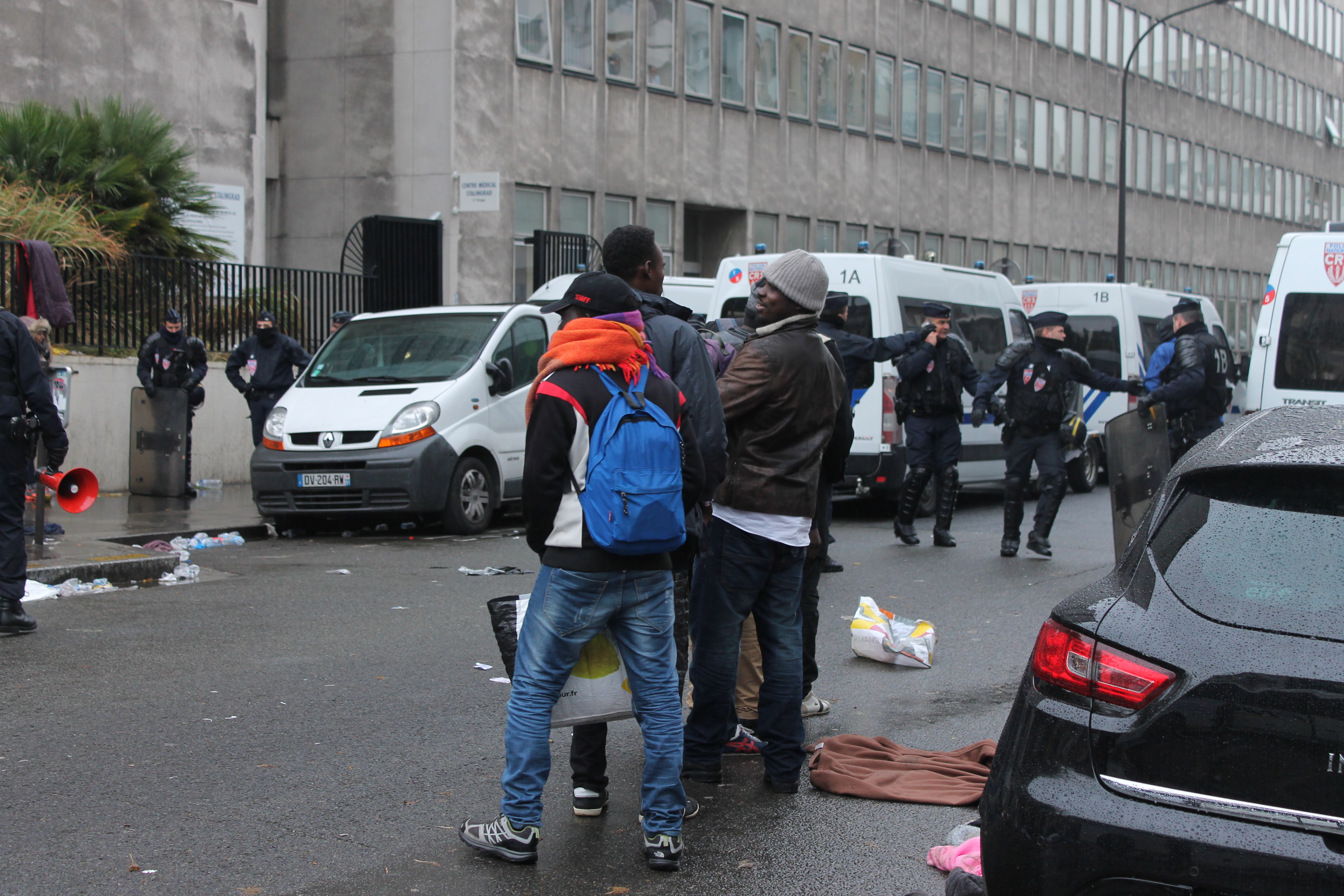 evacuazione-migranti-stalingrado-4-novembre-17