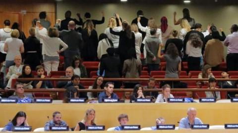 Personale Onu volta le spalle in segno di protesta alla nomina di Wonder Woman Ambasciatrice Onu