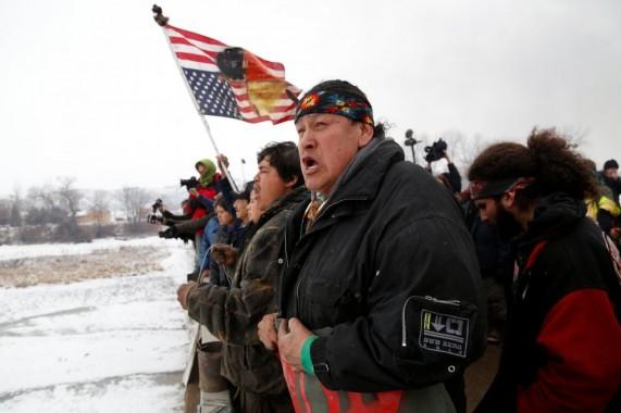 I nativi si preparano all'arrivo della polizia - 22 febbraio 2017