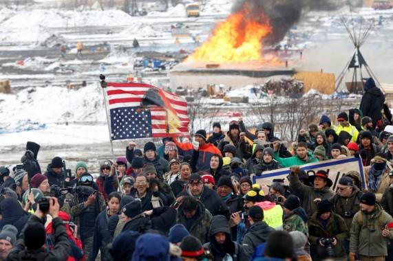 Le proteste contro l'oleodotto che attraverserà le terre dei nativi