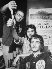 """Marco De Martino nello studio """"Metro Cubo"""" di Via Pasteur, Radio Popolare 1979, con Alberto Rossetti e Fabio Terragni"""