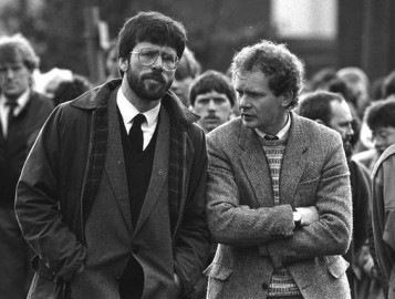 Martin McGuinness con Gerry Adams