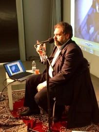 Gaetano Saffioti nell'auditorium di Radio Popolare