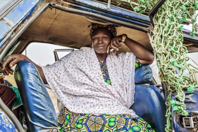 african_woman_in_taxi_MG_5778