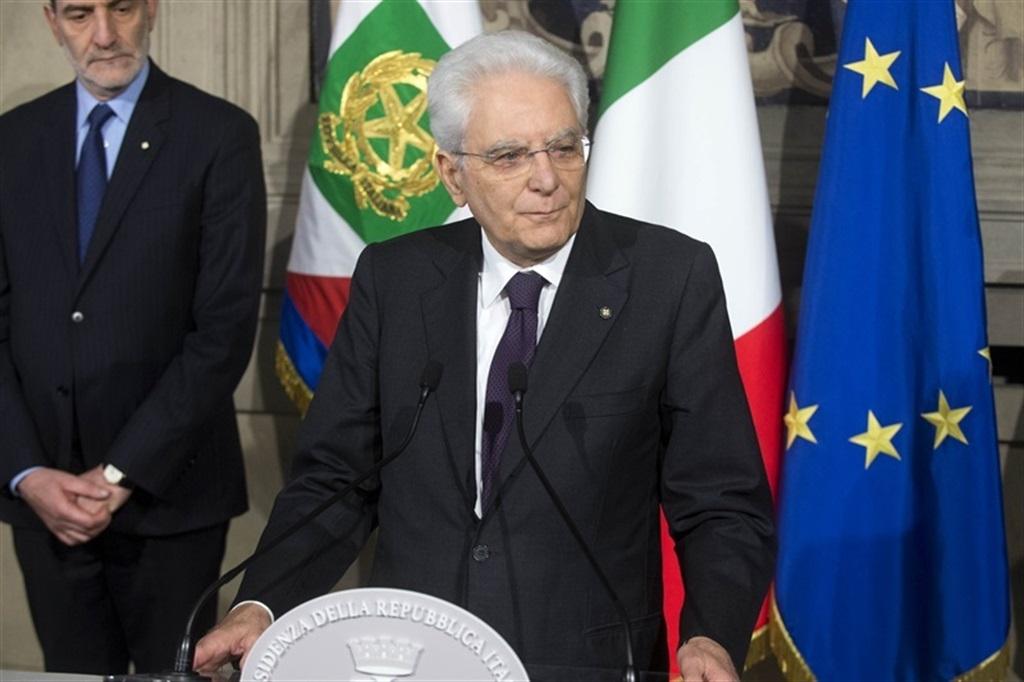 Sergio Mattarella dopo le consultazioni