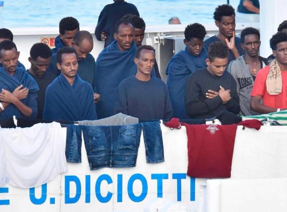 Migranti a bordo della Diciotti