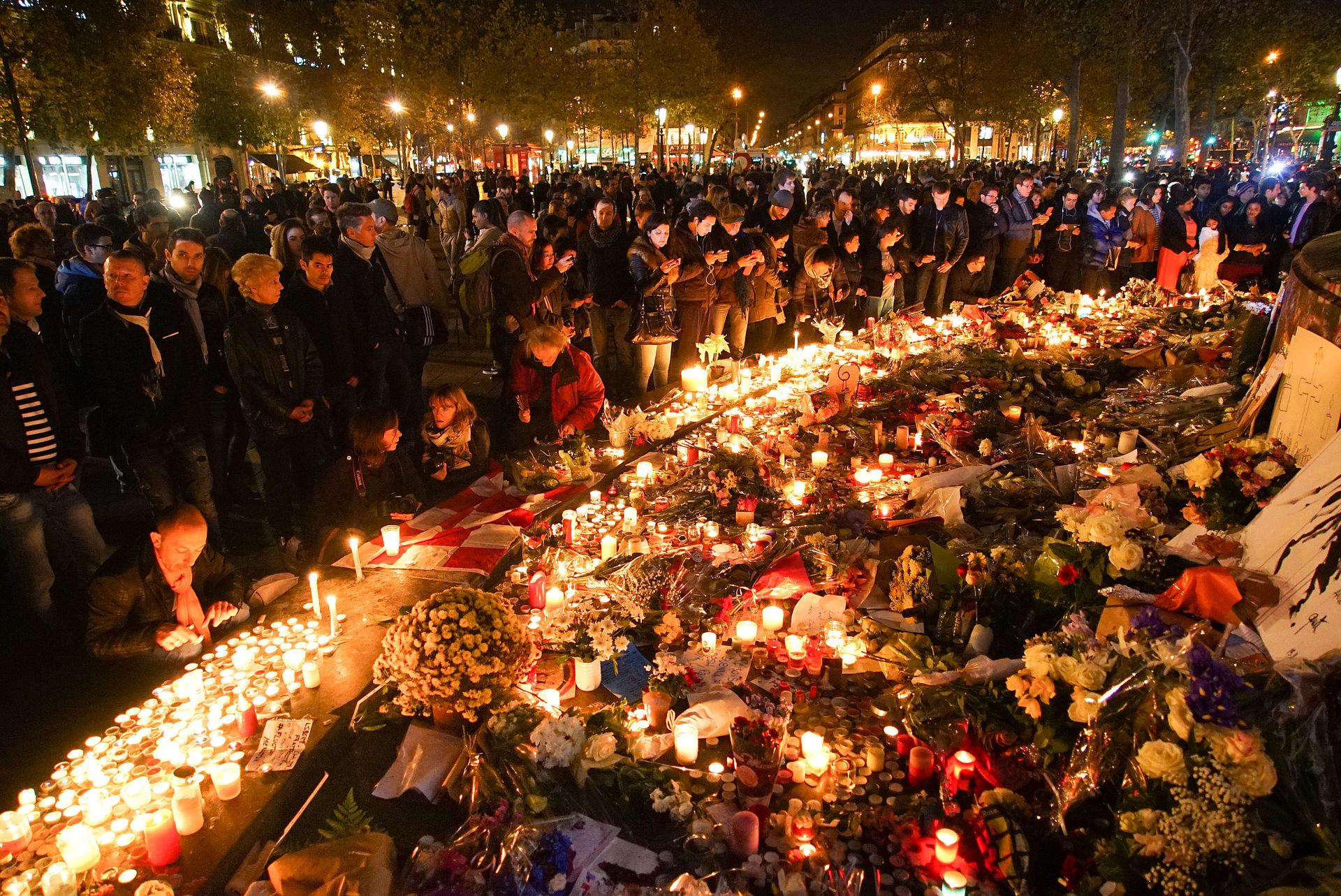 Ricordo degli attacchi di Parigi