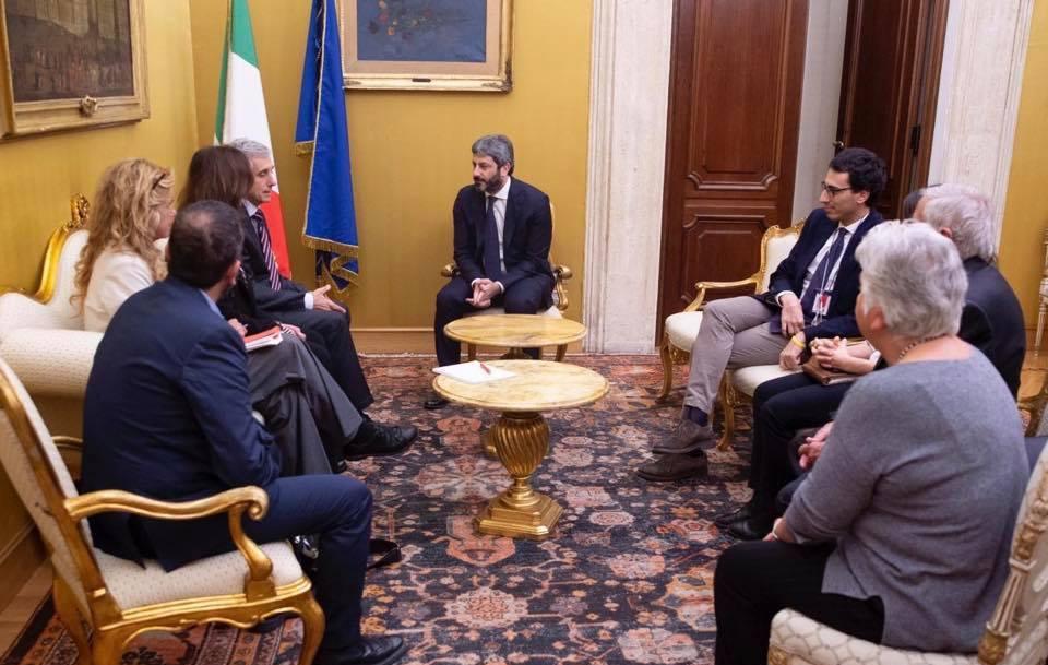 Roberto Fico incontra i familiari di Denis Cavatassi