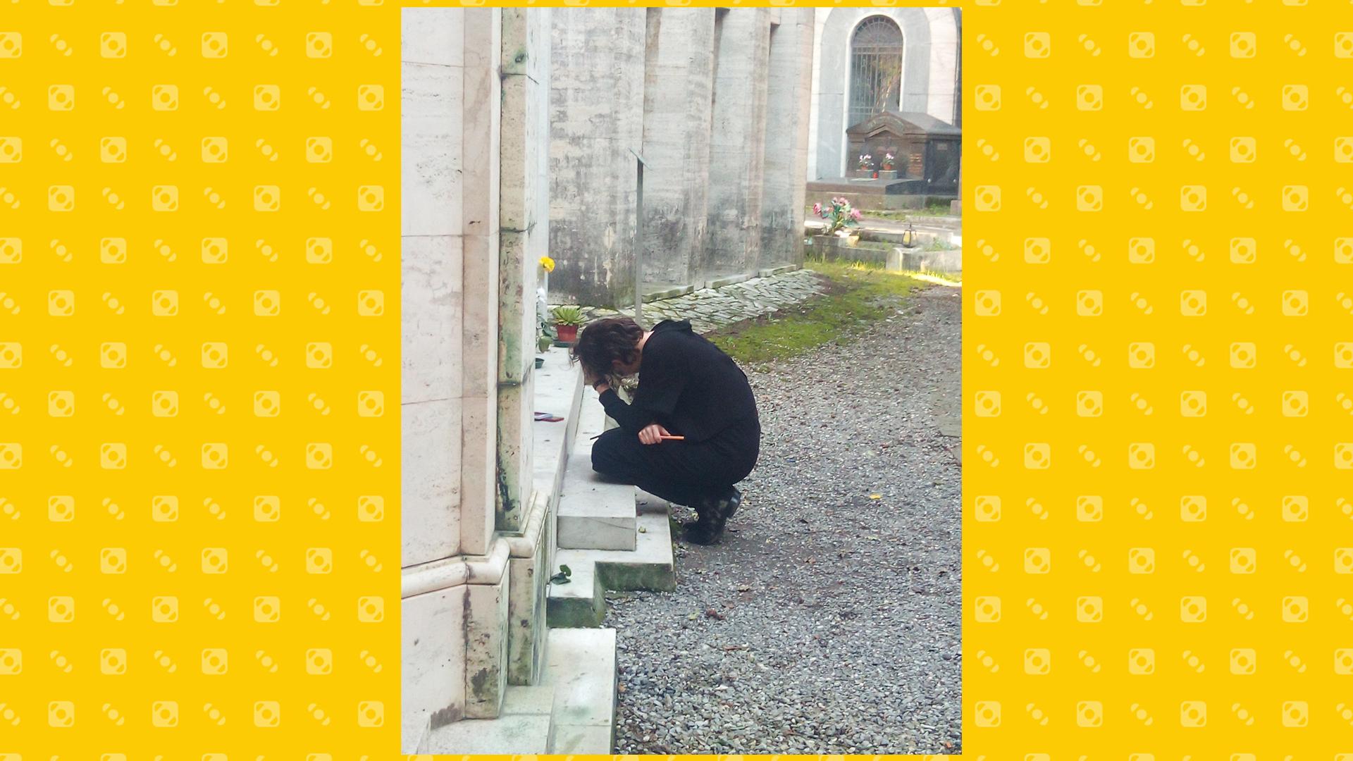 Fabrizio De André al cimitero di Staglieno