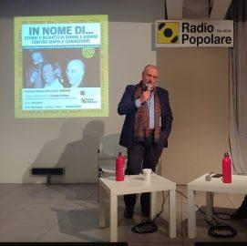 Giuseppe Costanza nell'auditorium di Radio Popolare per il ciclo di Lezioni di antimafia