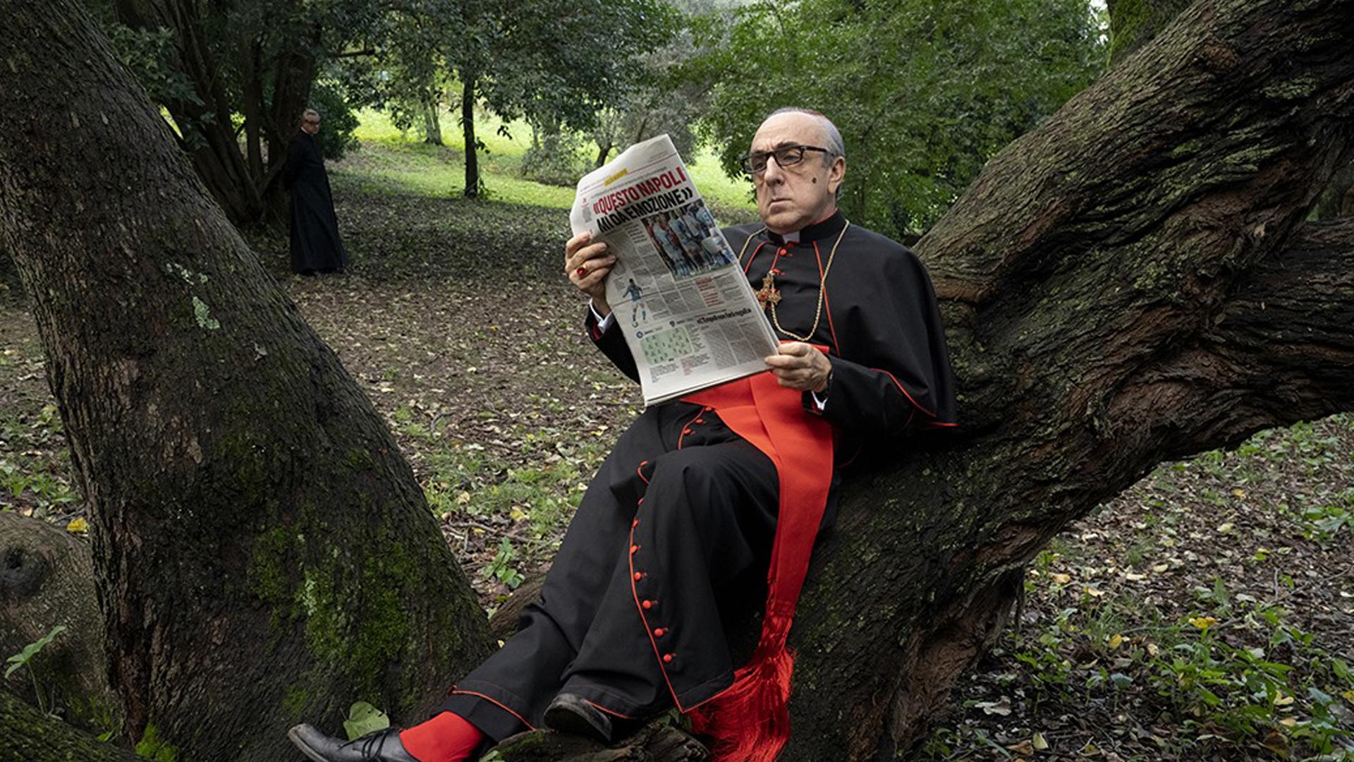 Silvio Orlando nei panni del Cardinal Voiello