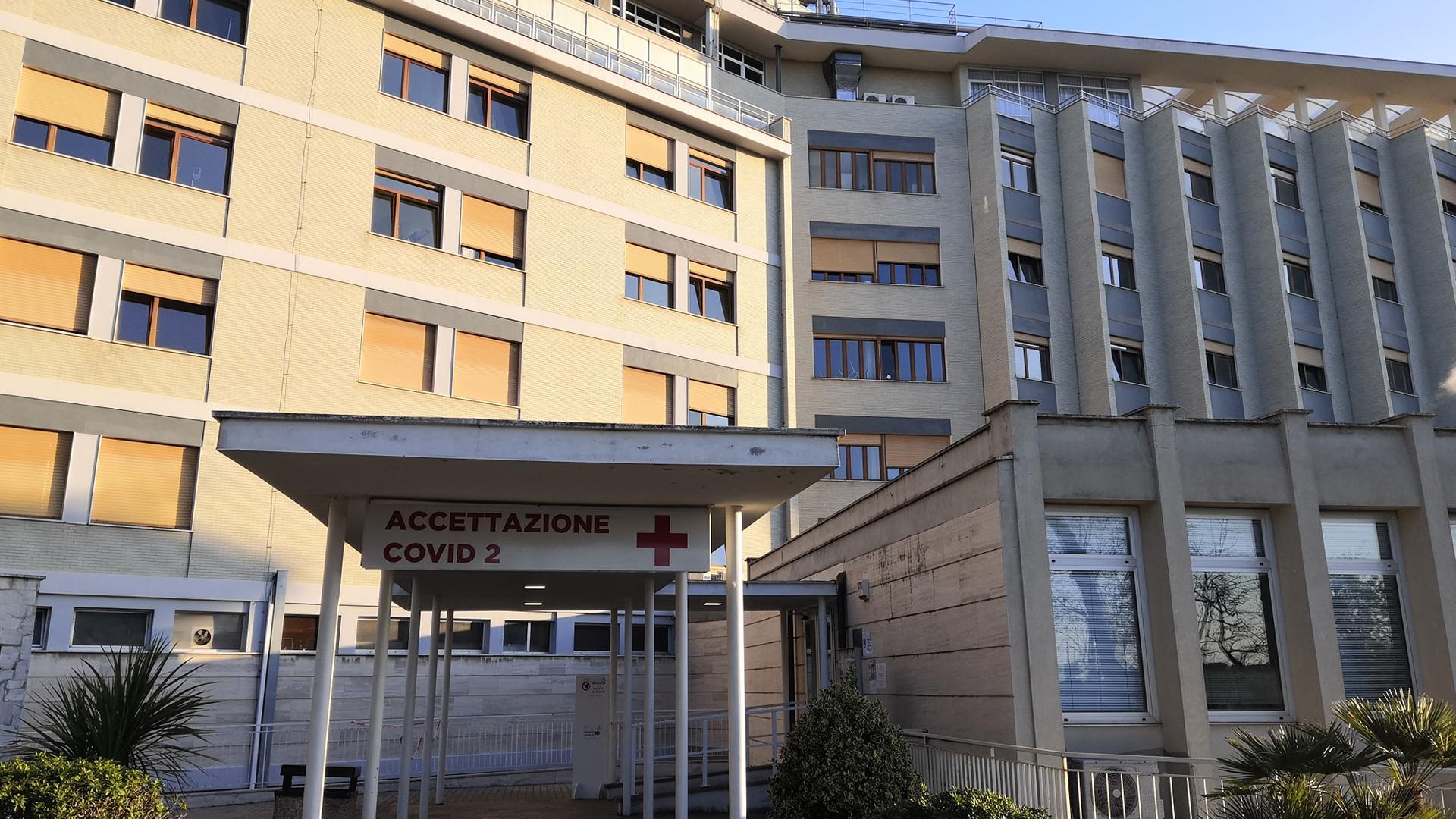 COVID-19, problemi cronici per il 30% dei guariti? Intervista al professor Harari