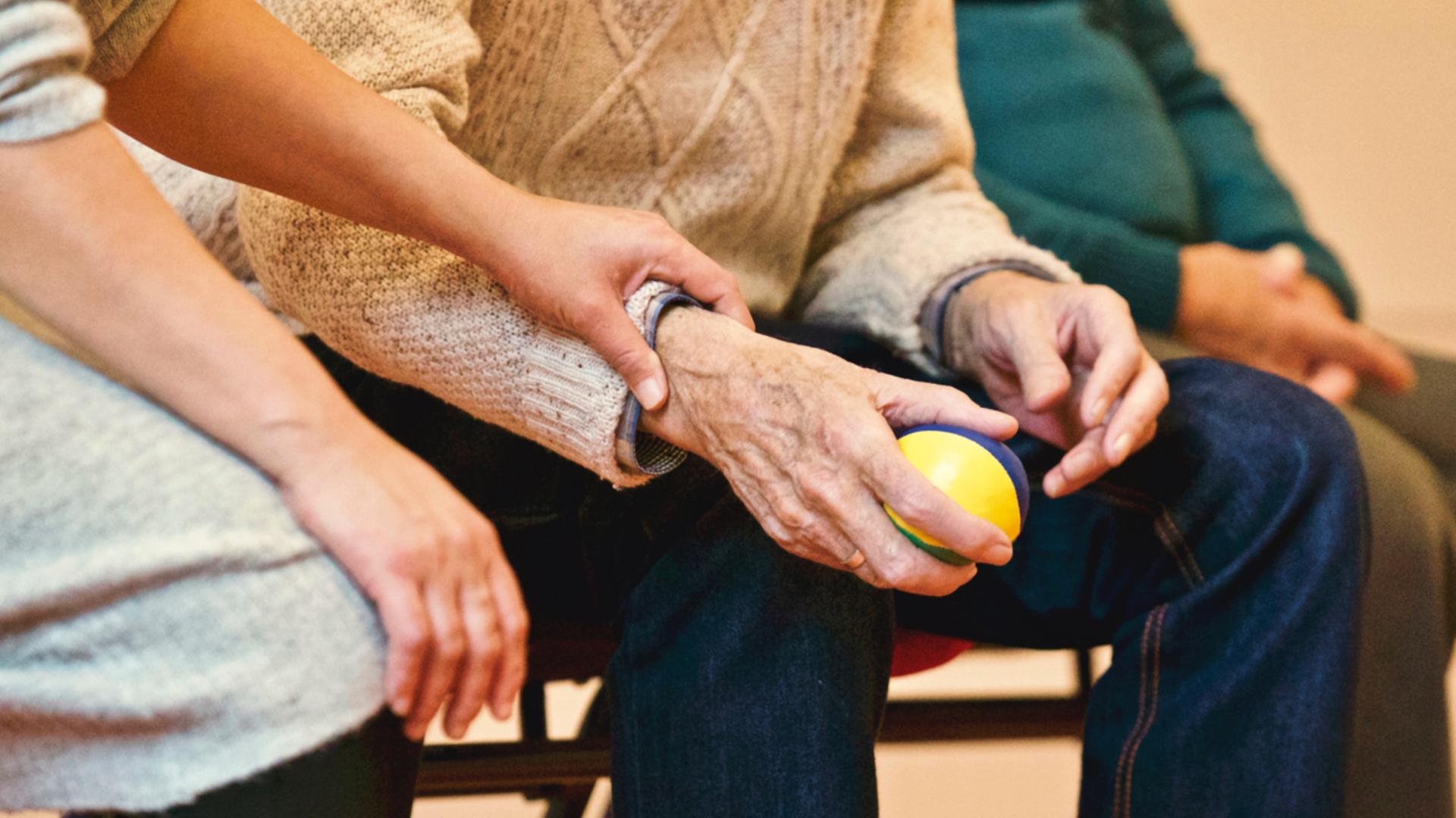 milano aiuta over 65