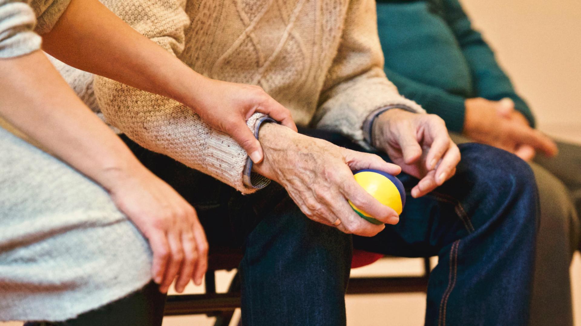 Una generazione di genitori e nonni in Lombardia sta sparendo