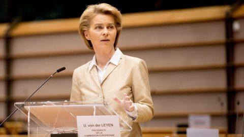 Le linee guida delle Regioni per le riaperture, la pandemia peggiora in Europa e le altre notizie della giornata