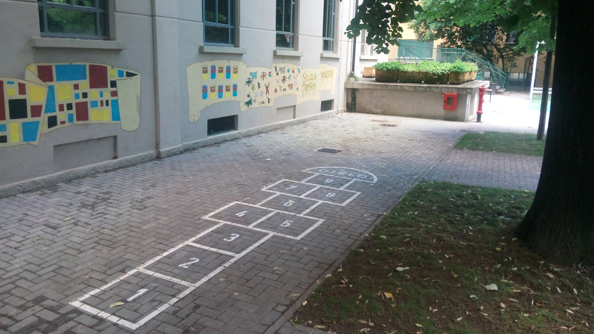 Come si sta preparando Milano alla riapertura delle scuole? Parla l'assessore Limonta