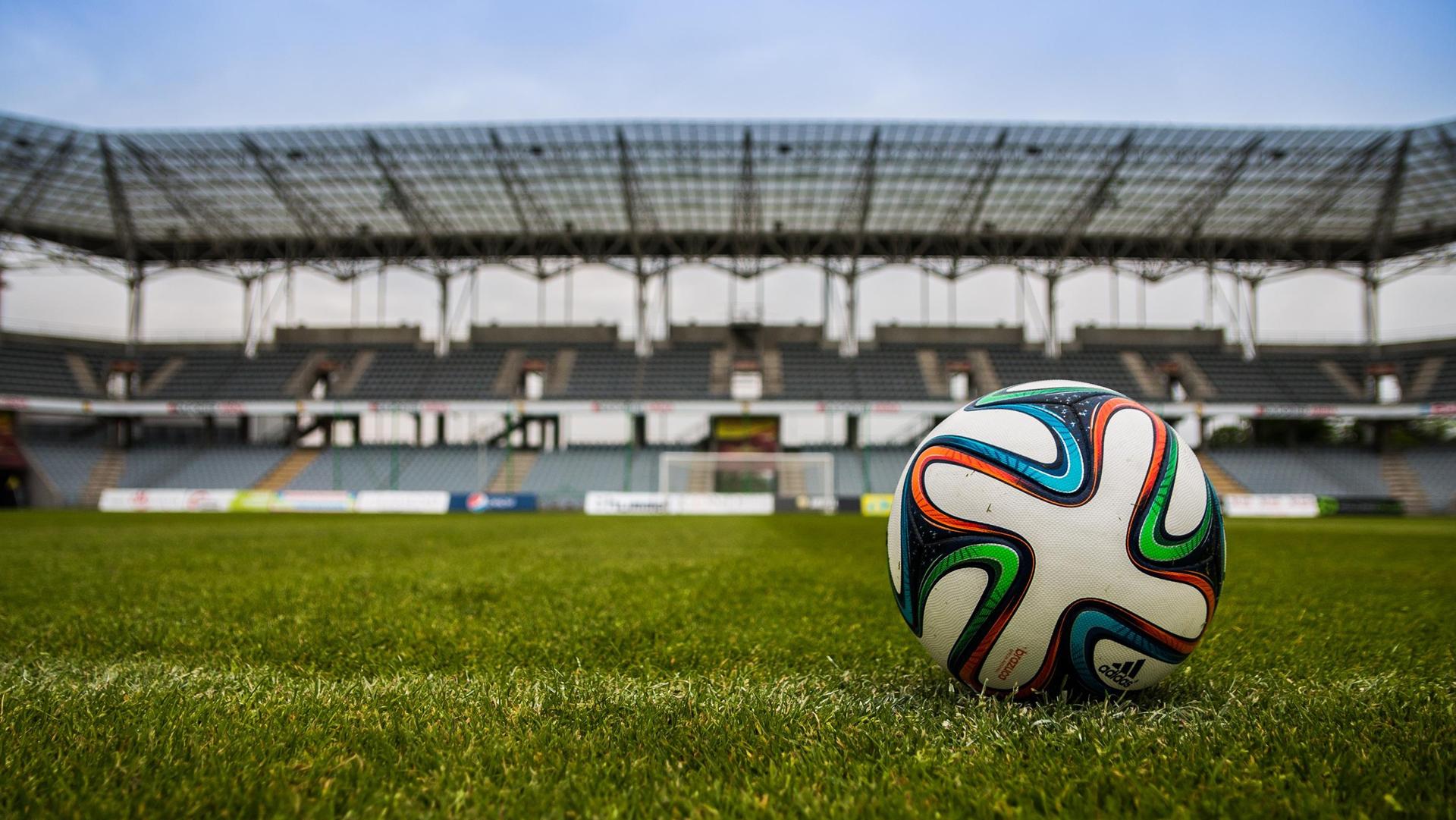 Calcio e COVID-19. Come si spiega il caso del Genoa? Intervista all'infettivologa Monforte
