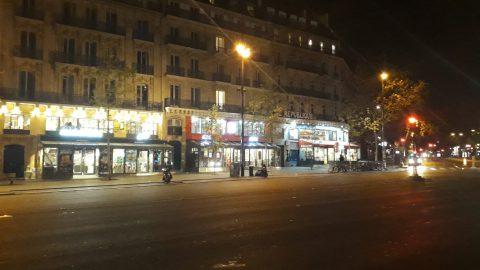 Coprifuoco a Parigi: il reportage da una città quasi deserta