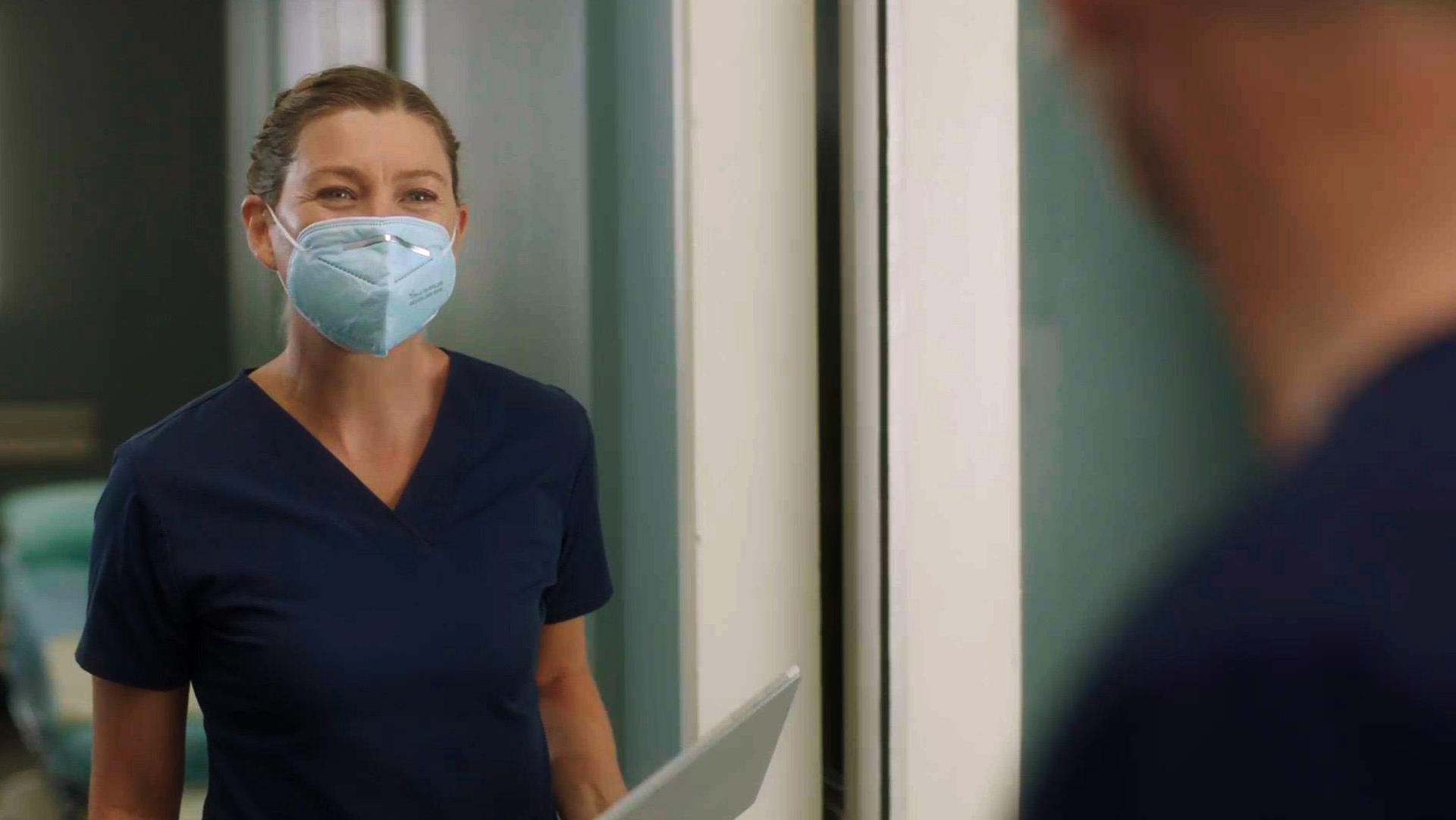 Grey's Anatomy, la 17esima stagione con i protagonisti in mascherina