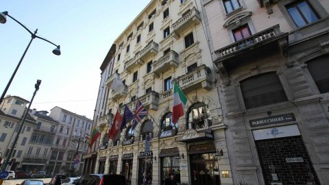 Milano, sfratto del COVID Hotel in Corso Magenta: la petizione solidale dei residenti