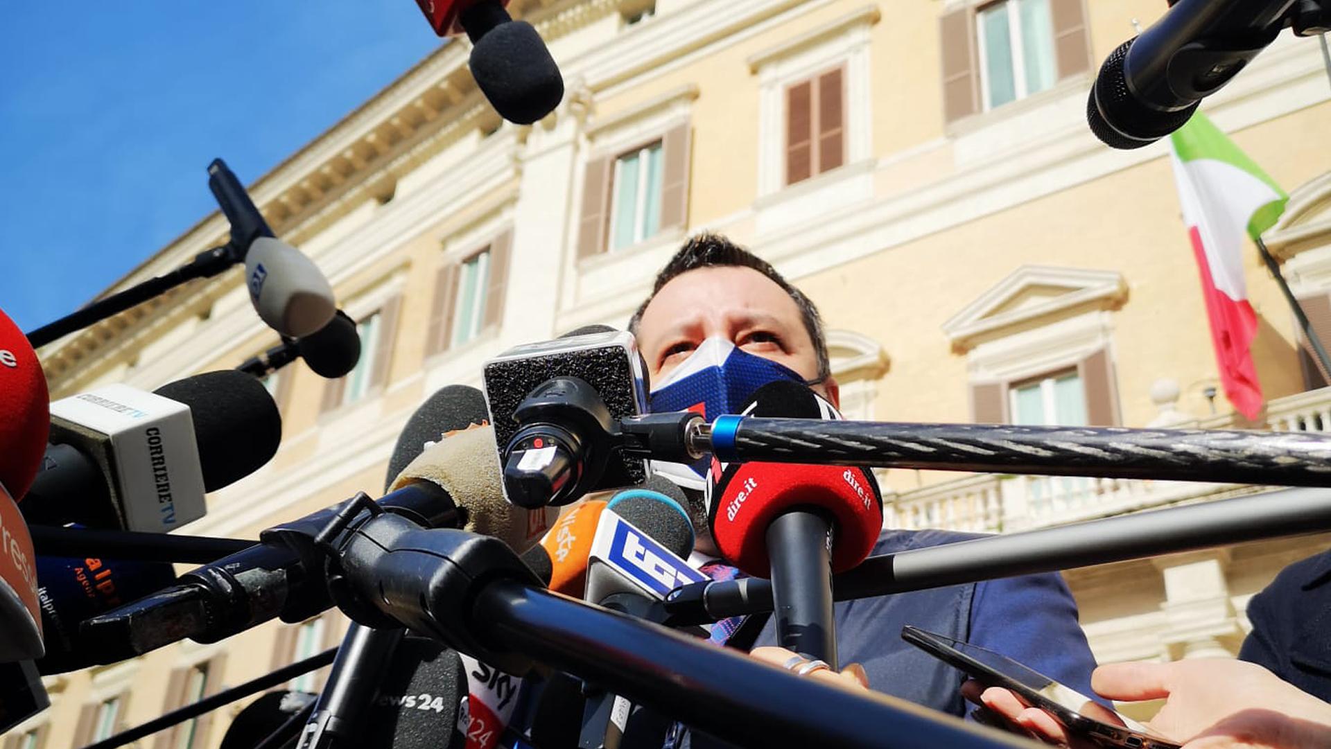 Le nuove misure in vigore da lunedì, lo scontro Draghi-Salvini sul coprifuoco e le altre notizie della giornata