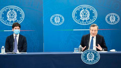 Le riaperture anticipate al 26 aprile, il pessimo segnale di Draghi su Zaki e le altre notizie della giornata