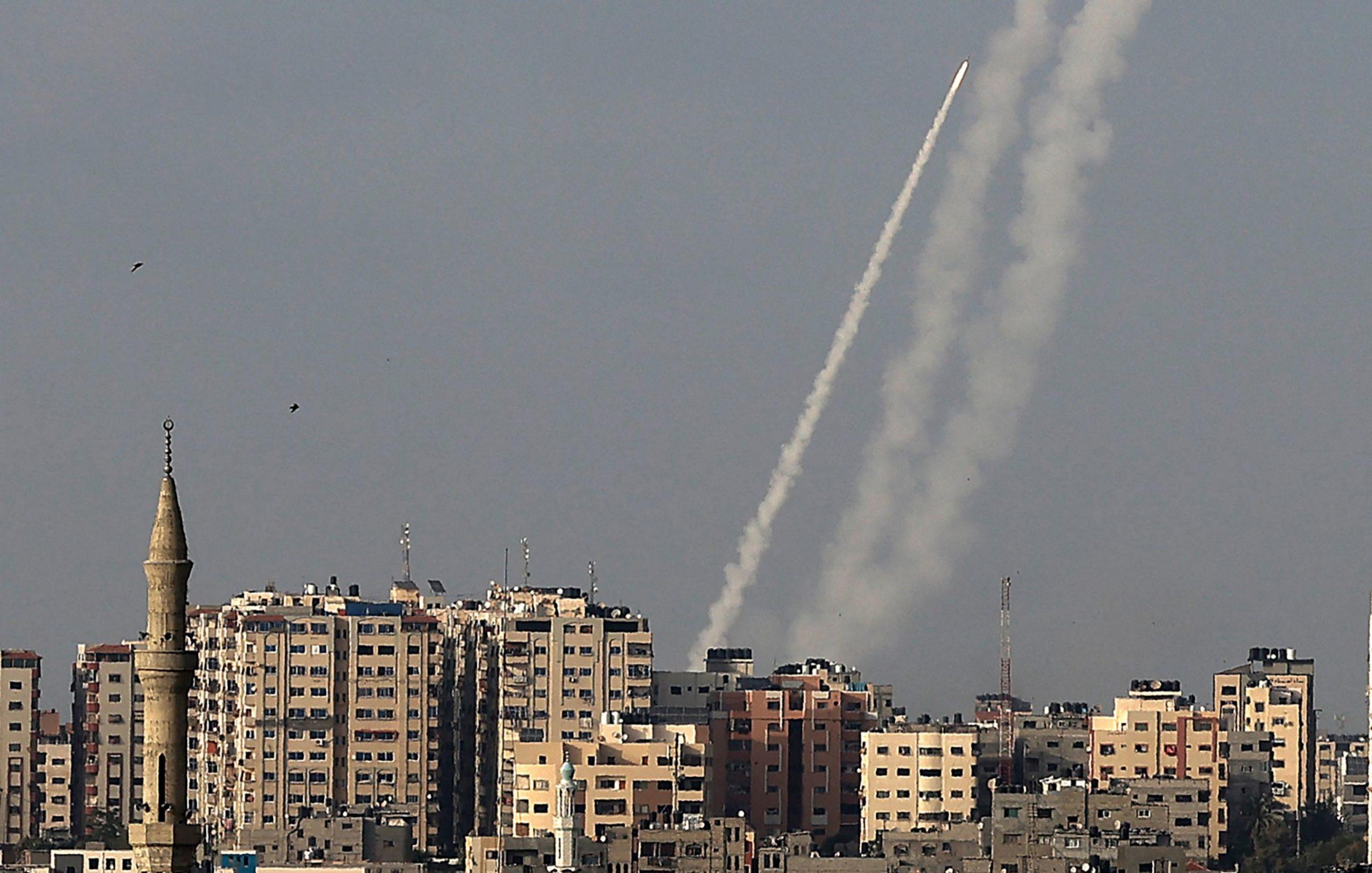 Tensione tra Israele e Palestina, i numeri dell'epidemia, i guai della Juventus e le altre notizie della giornata