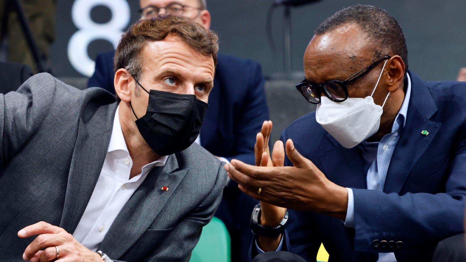 Emmanuel Macron e il presidente del ruanda Paul Kagame