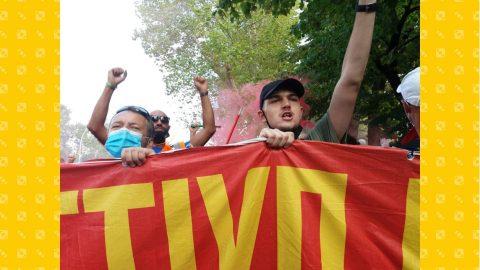 I lavoratori della GKN in corteo a Firenze, la crisi diplomatica Francia-Usa e le altre notizie della giornata