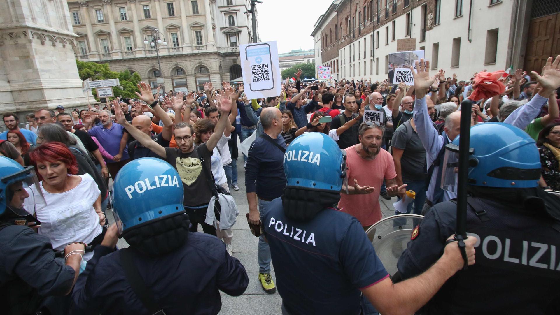 Meloni in comizio nel feudo della Lega, la leadership di Salvini sempre più in discussione e le altre notizie della giornata