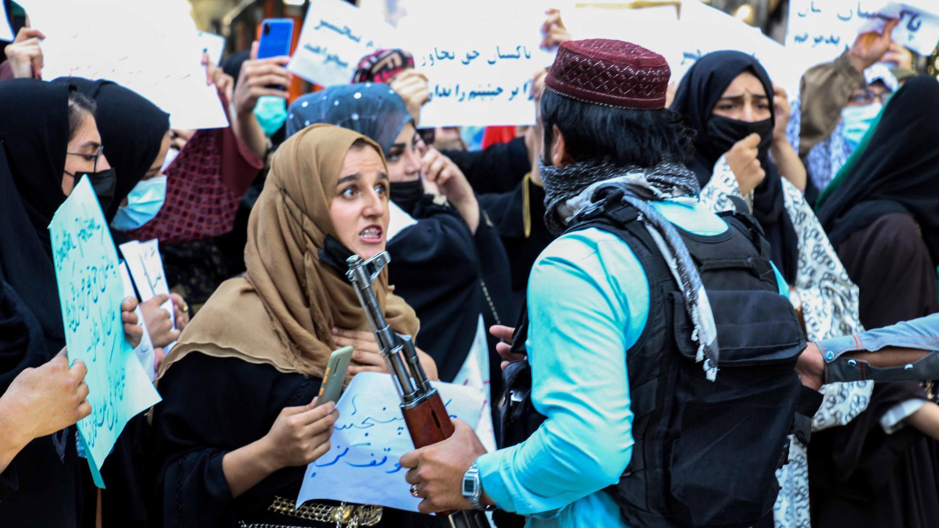 Afghanistan protesta donne (ansa)