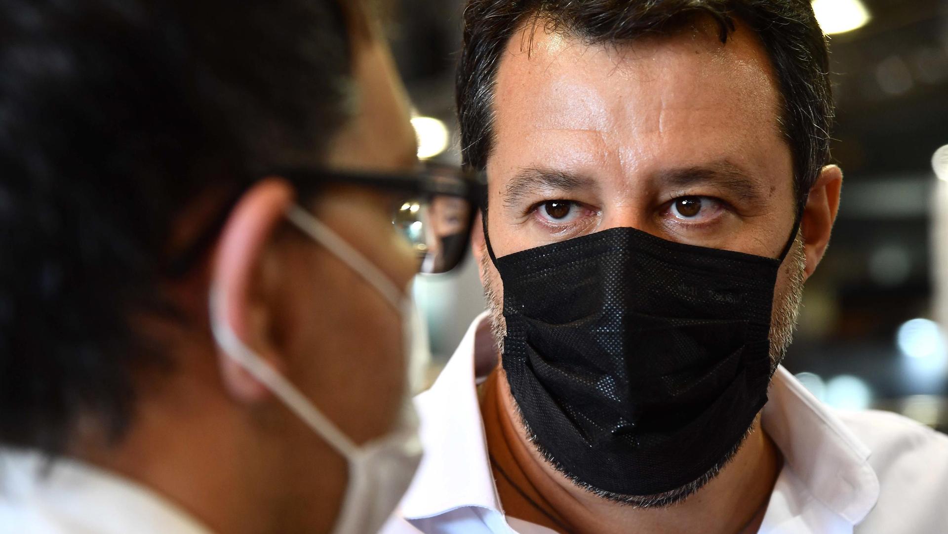 Si stringe il cerchio attorno a Salvini dentro la Lega