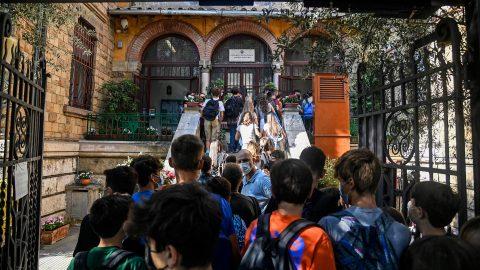 Il ritorno a scuola di 4 milioni di studenti italiani, le