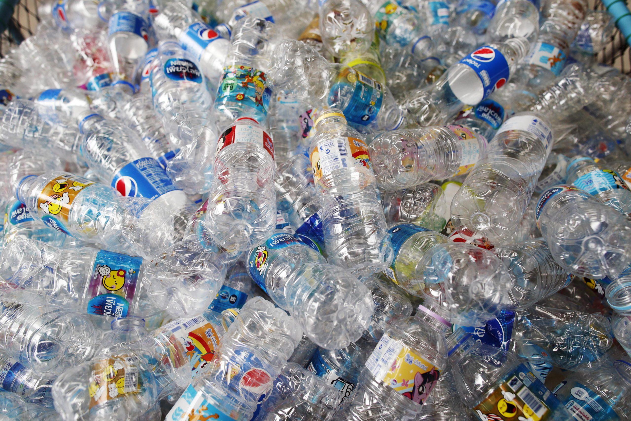 Un altro rinvio per la plastic tax, il vertice del centrodestra, l'andamento della pandemia e le altre notizie della giornata