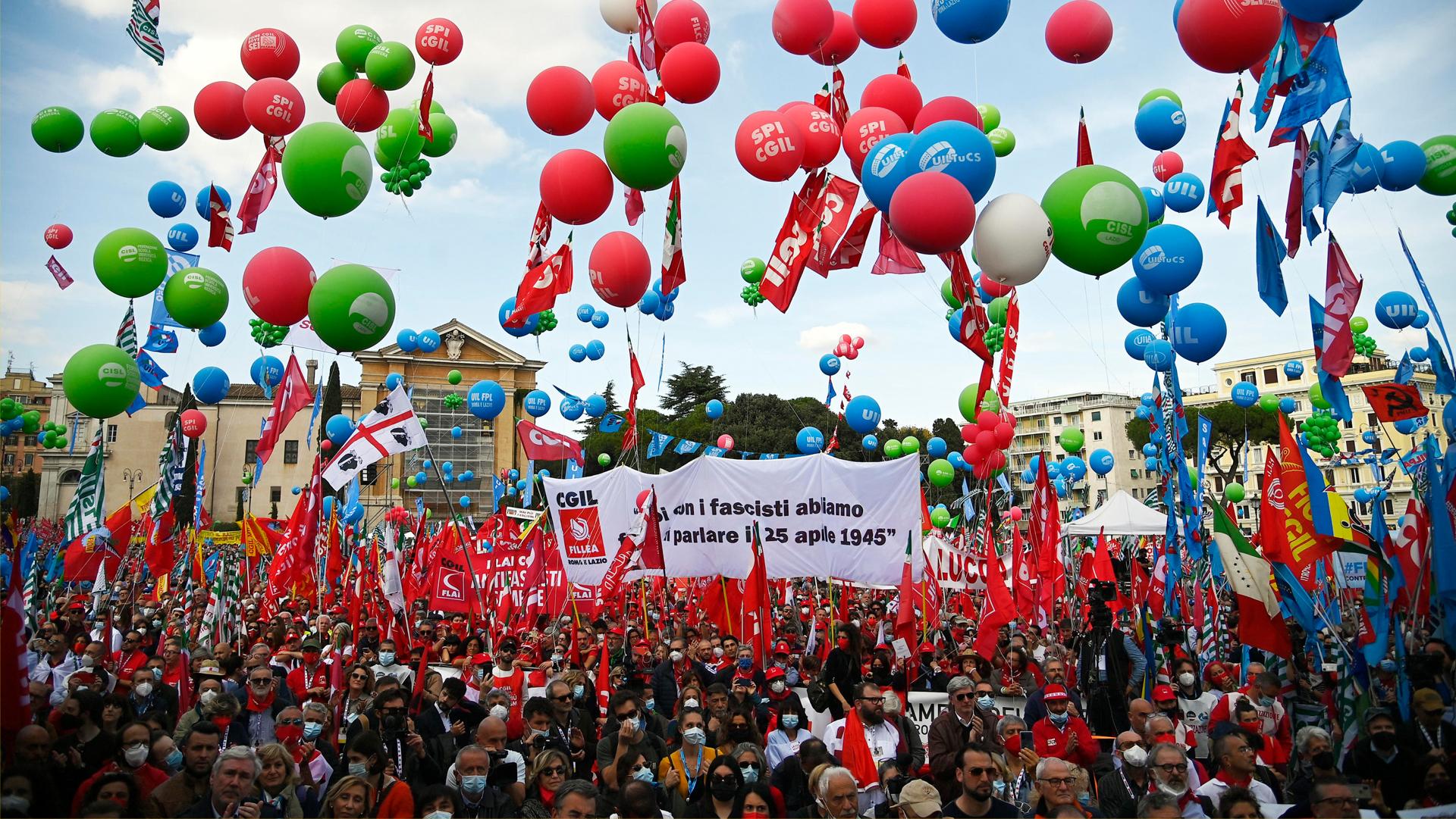 L'antifascismo riempie la piazza di Roma, i tanti impegni di Giorgetti lontano dal Ministero e le altre notizie della giornata