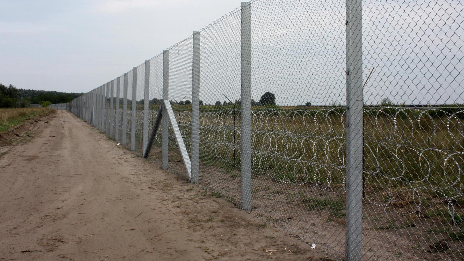 muro ungheria migranti ANSA